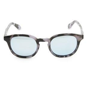 Quay Walk On Unisex Sunglasses